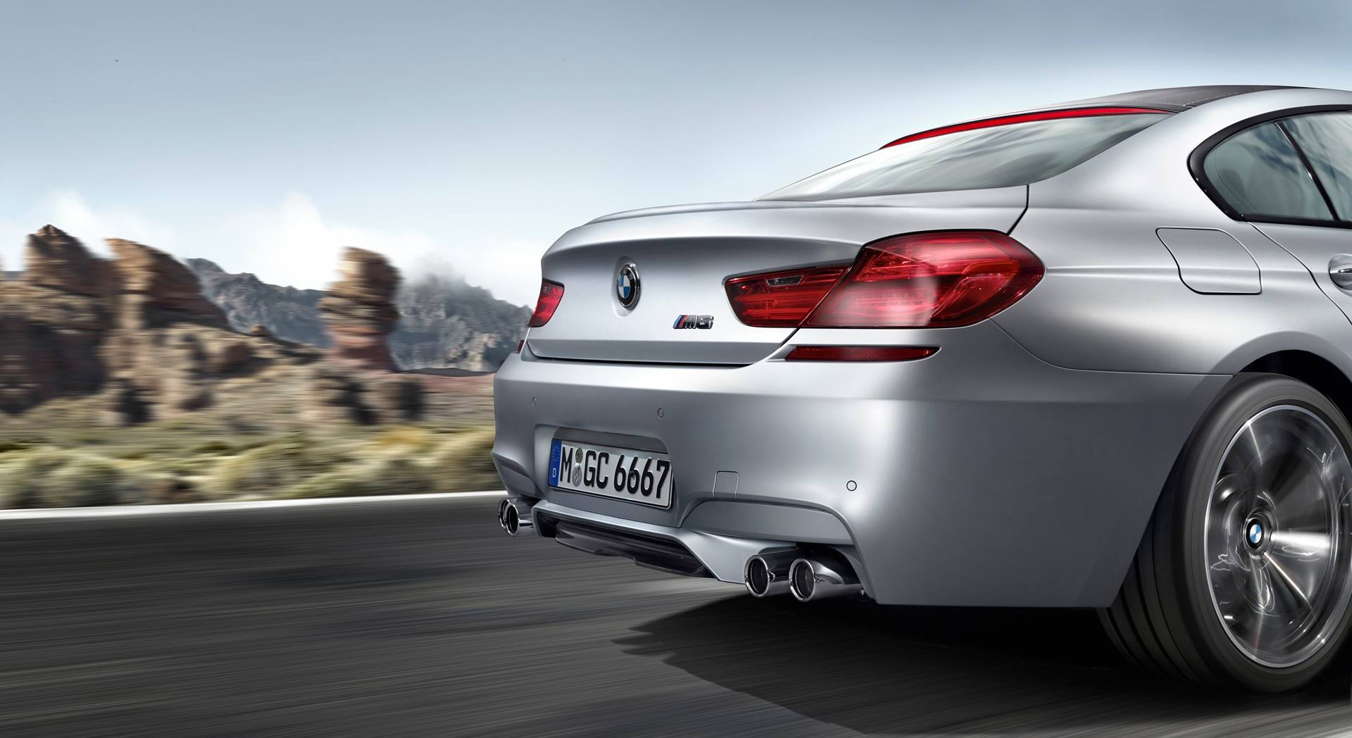 BMW M6 Wallpaper 003