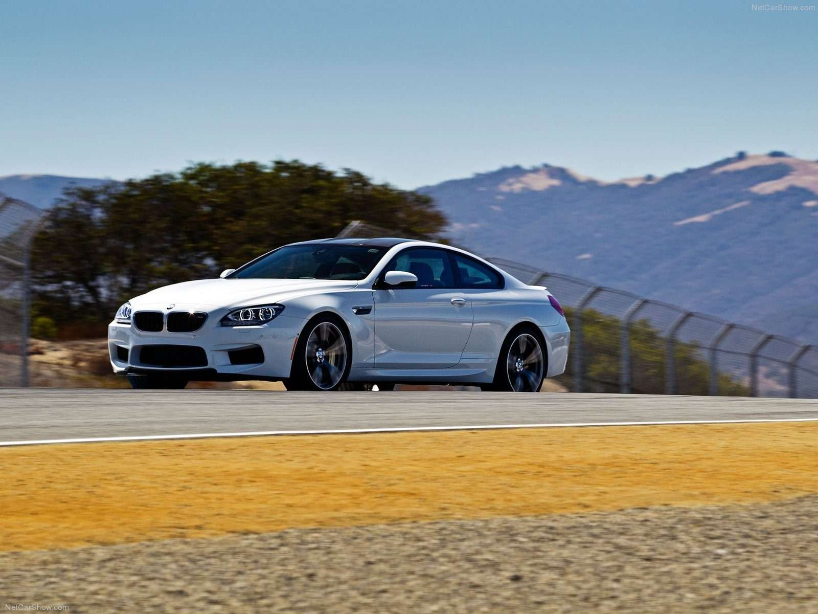BMW M6 Wallpaper 016