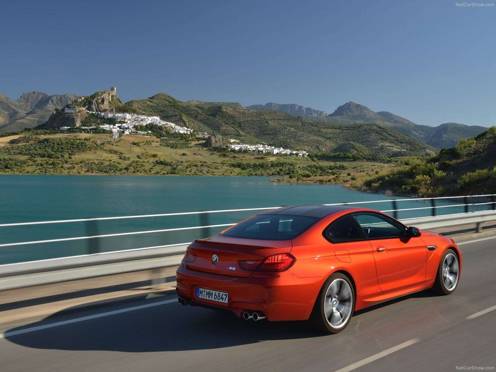 BMW M6 Wallpaper 025