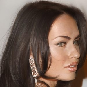 Megan Fox Wallpaper 025 300x300