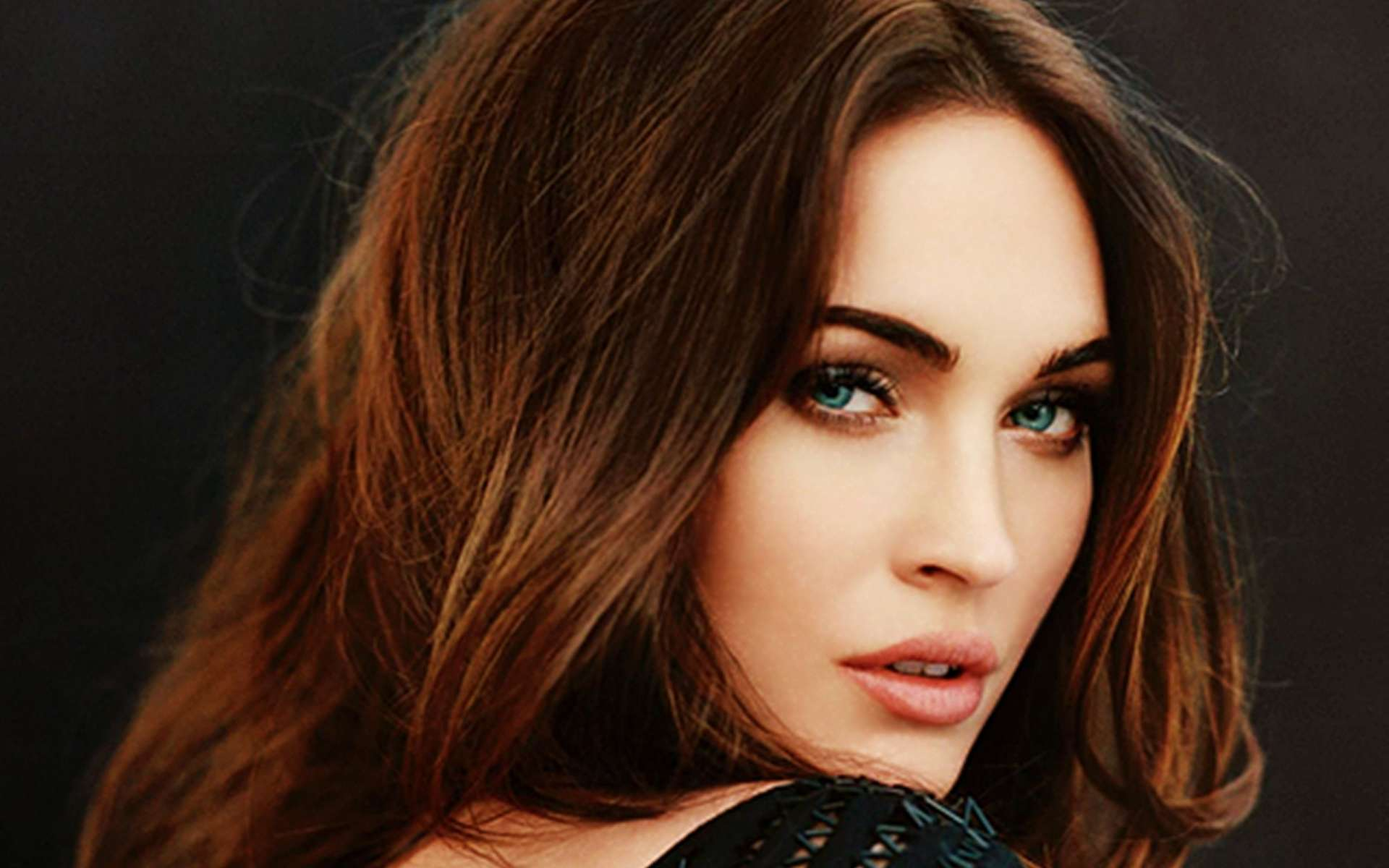 Megan Fox Wallpaper 027