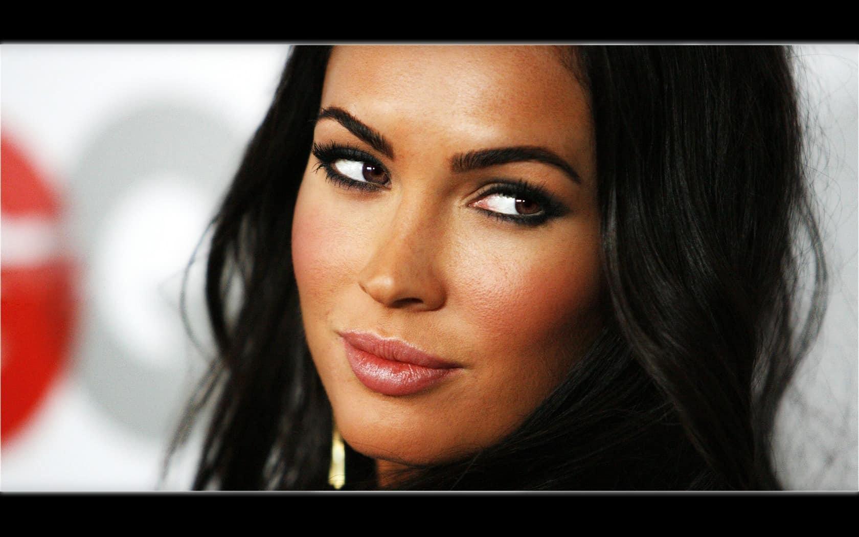 Megan Fox Wallpaper 030