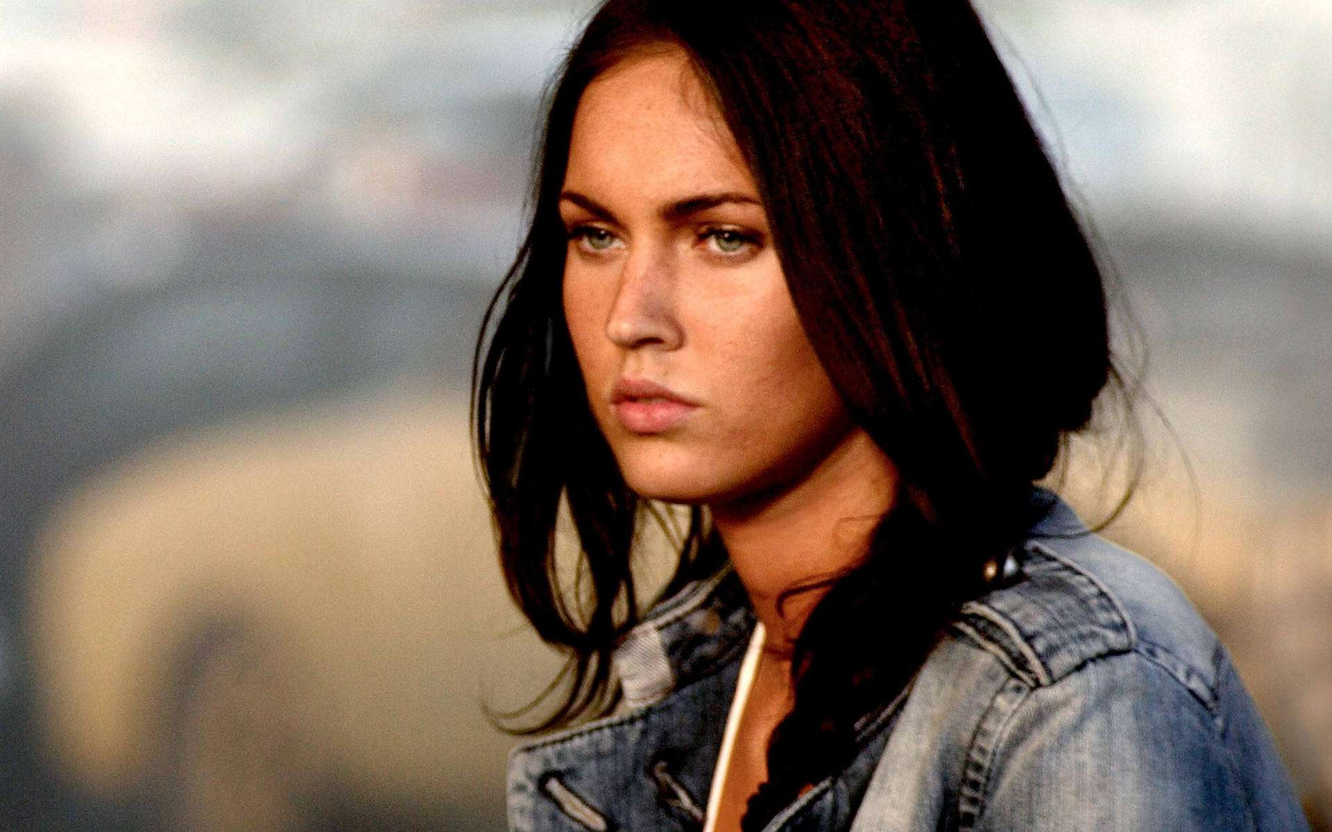 Megan Fox Wallpaper 039