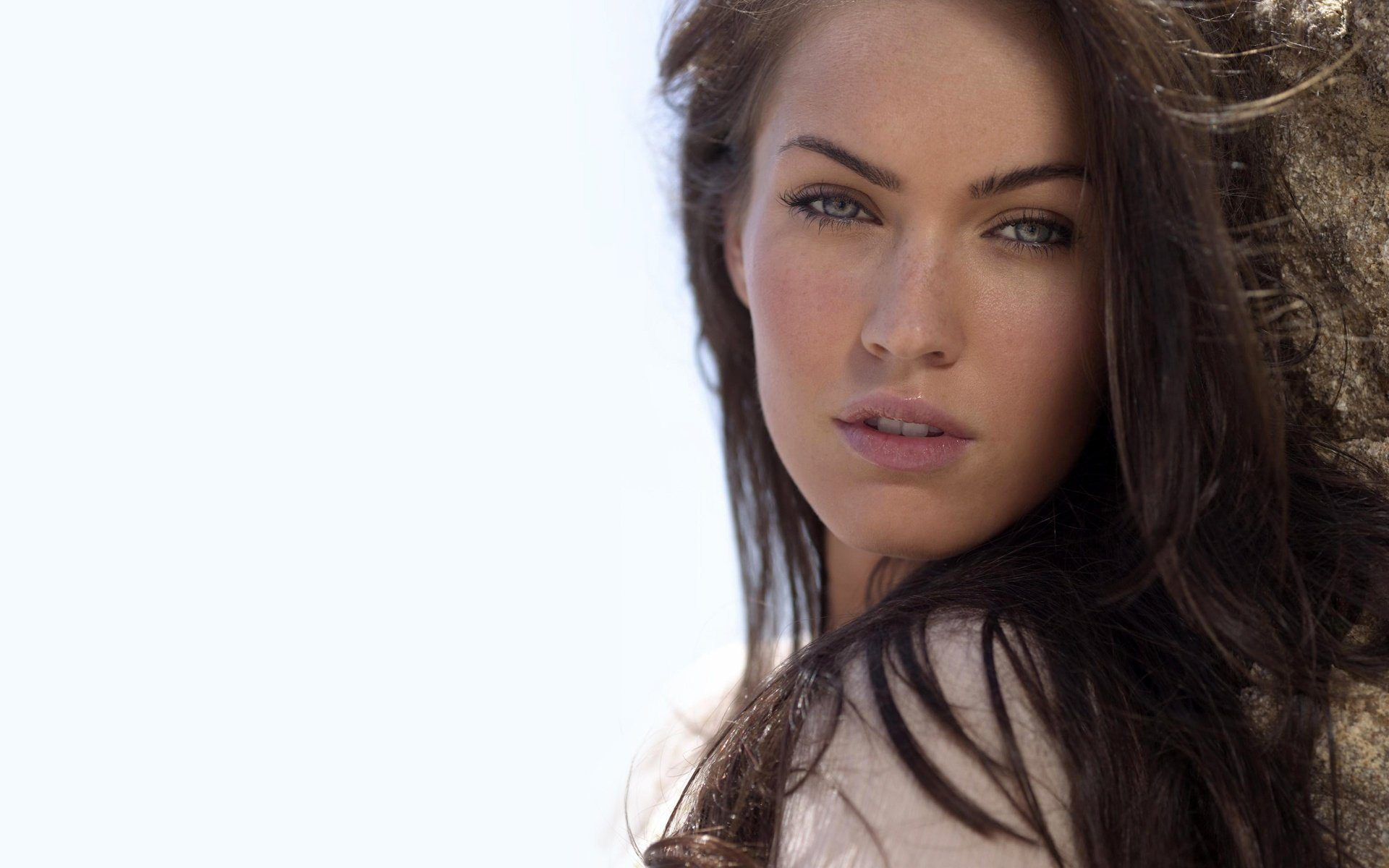 Megan Fox Wallpaper 054