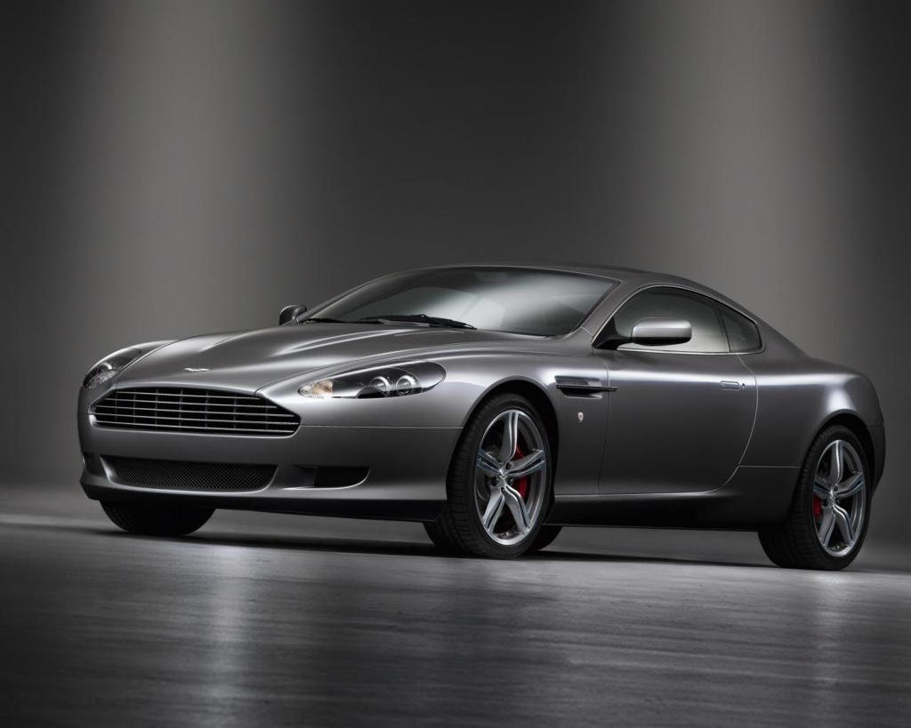 Aston Martin DB9 Wallpaper 2