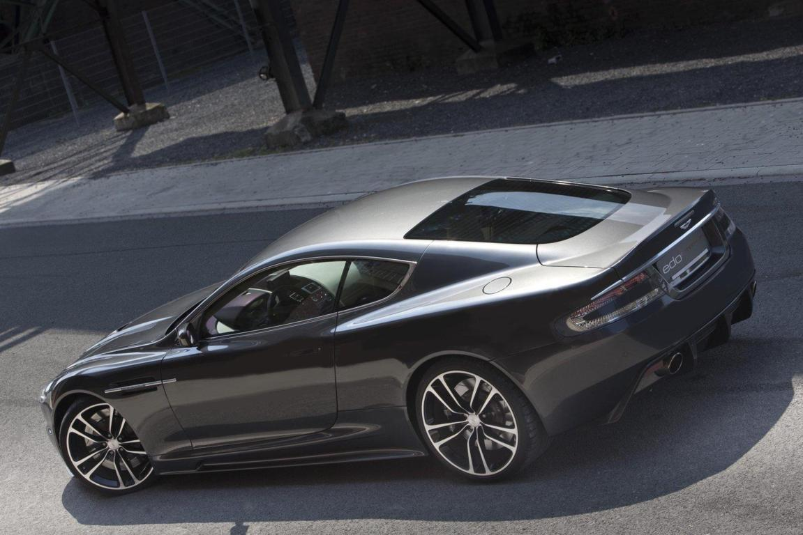 Aston Martin DB9 Wallpaper 21