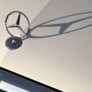 Mercedes Benz Logo Wallpaper 16 300x300