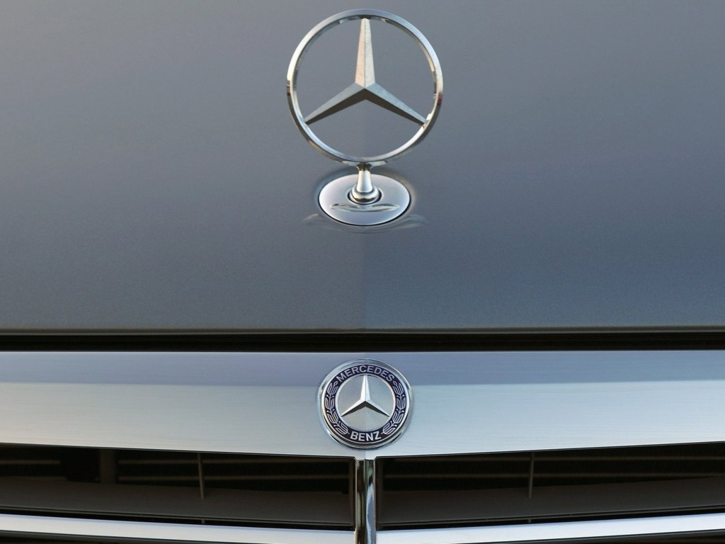 Mercedes-Benz Logo Wallpaper 3