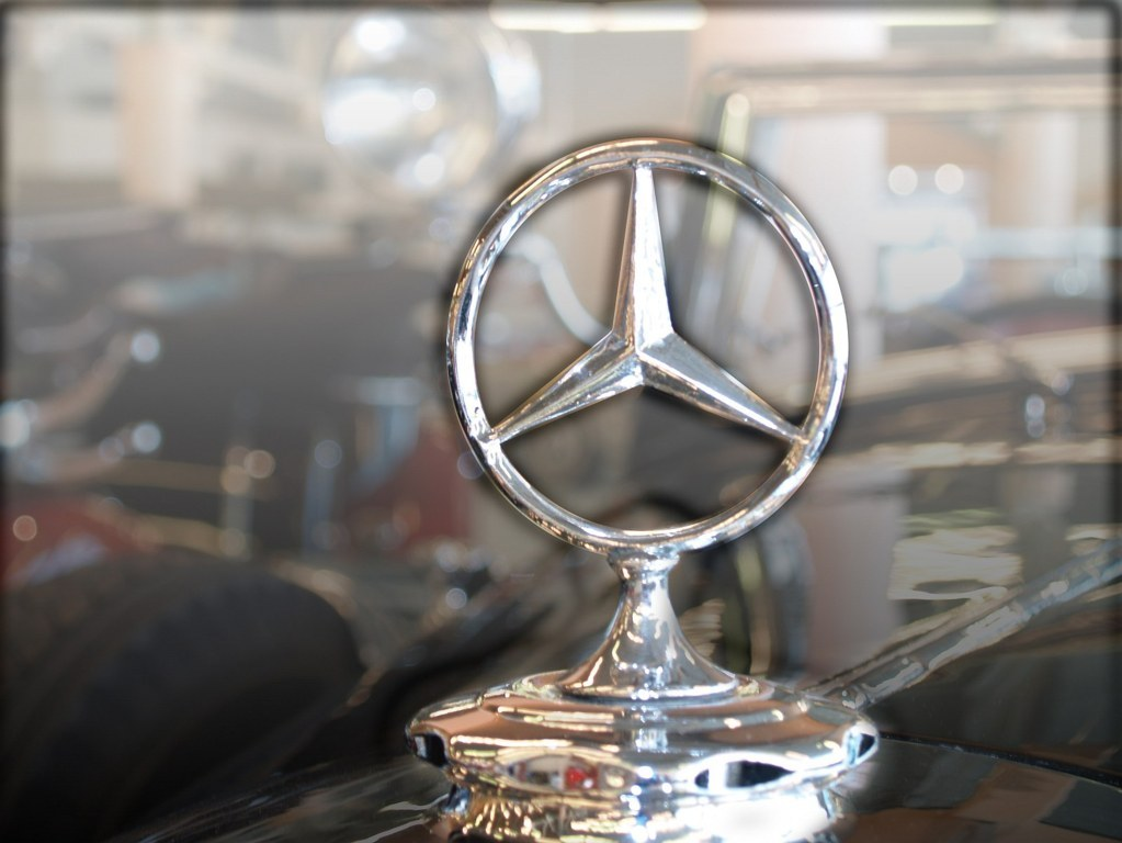 Mercedes Benz Logo Wallpaper 4