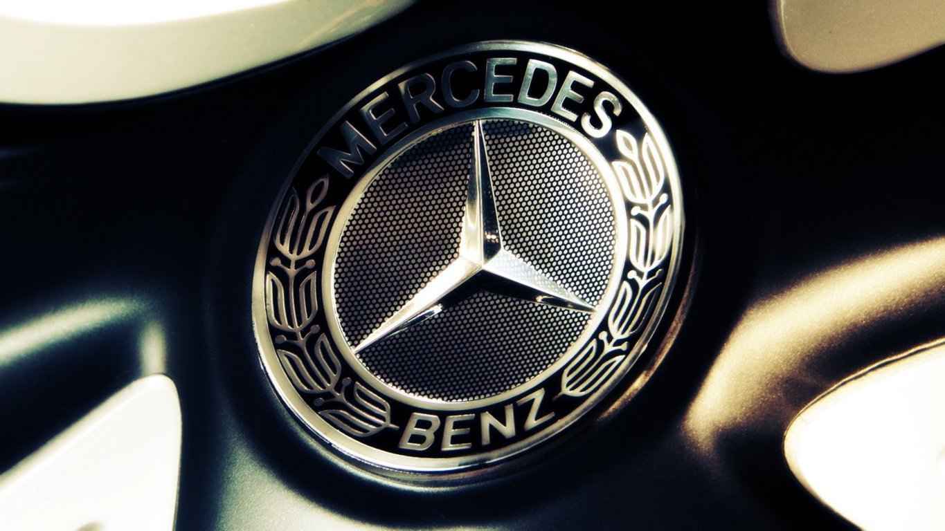 Mercedes Benz Logo Wallpaper 9