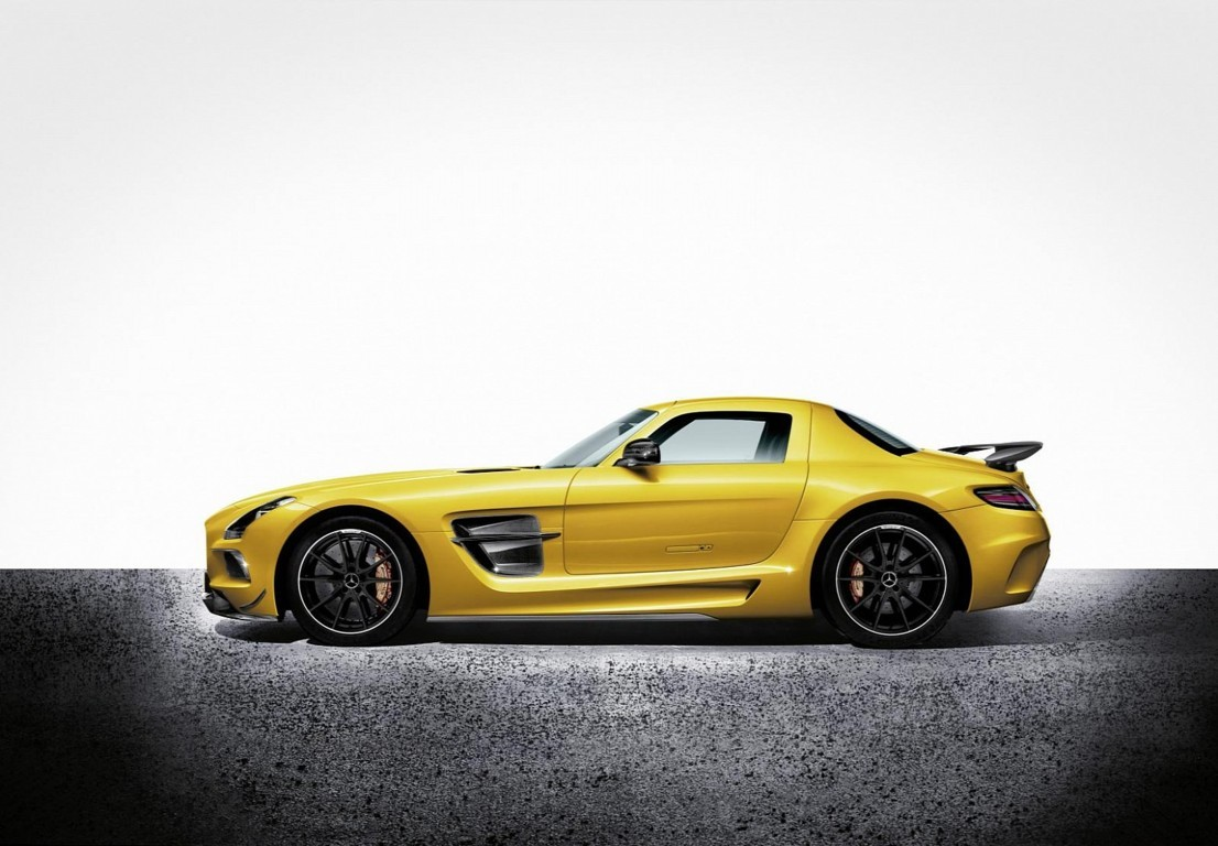 Mercedes Benz SLS AMG Wallpaper 1
