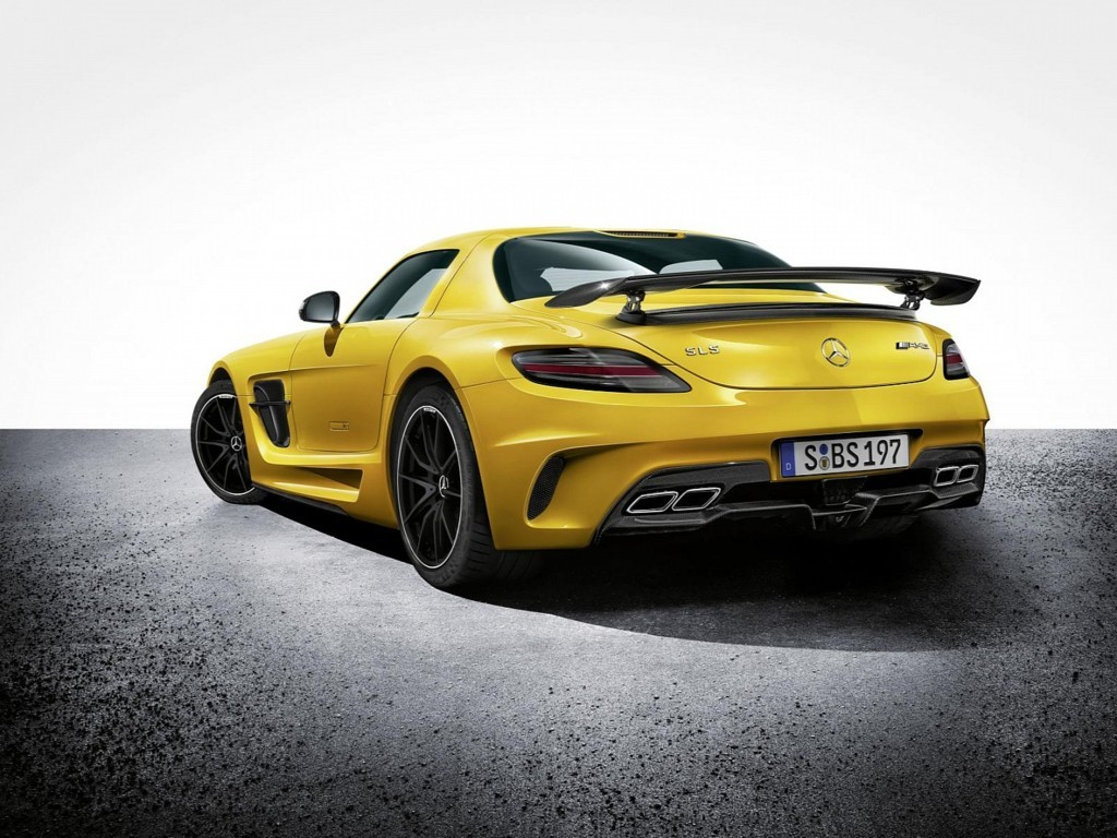 Mercedes Benz SLS AMG Wallpaper 2