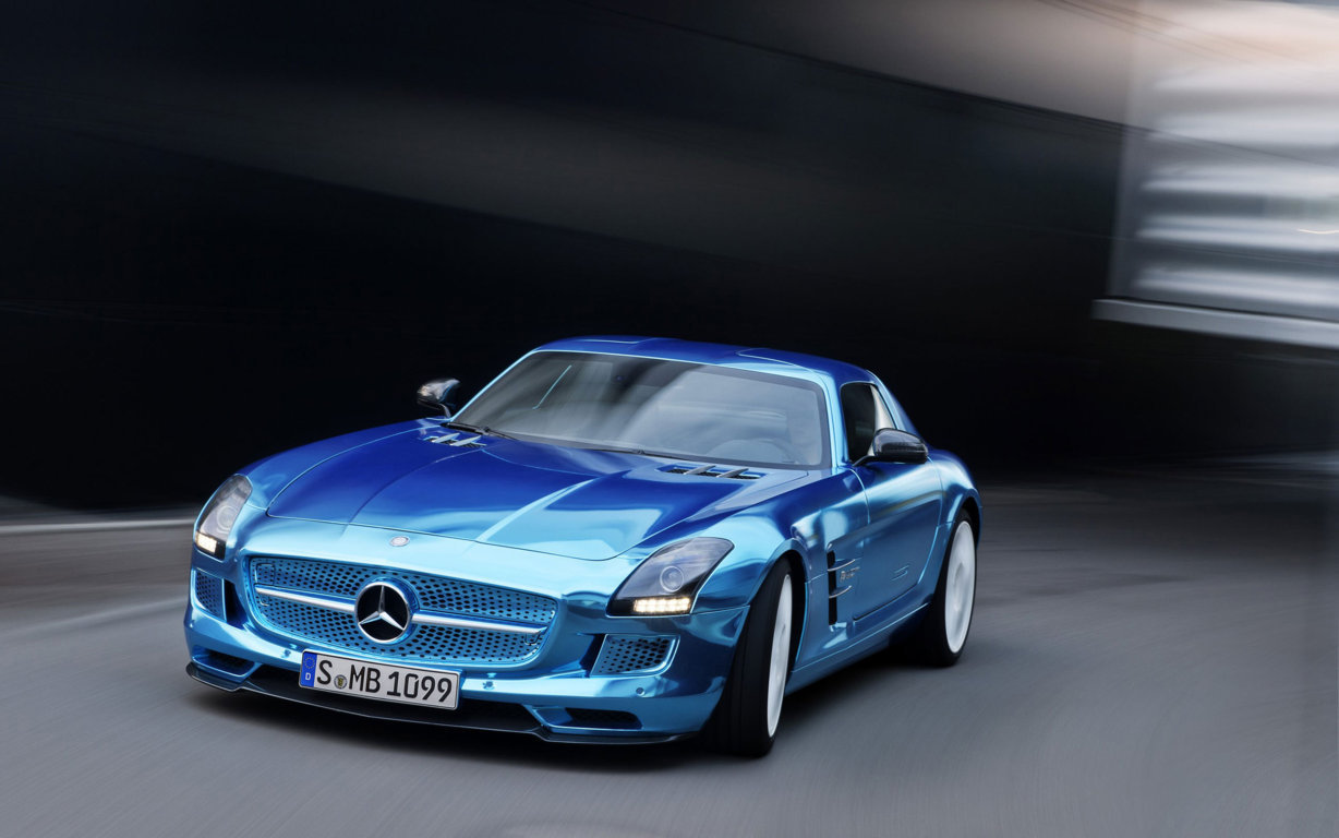 Mercedes Benz SLS AMG Wallpaper 3