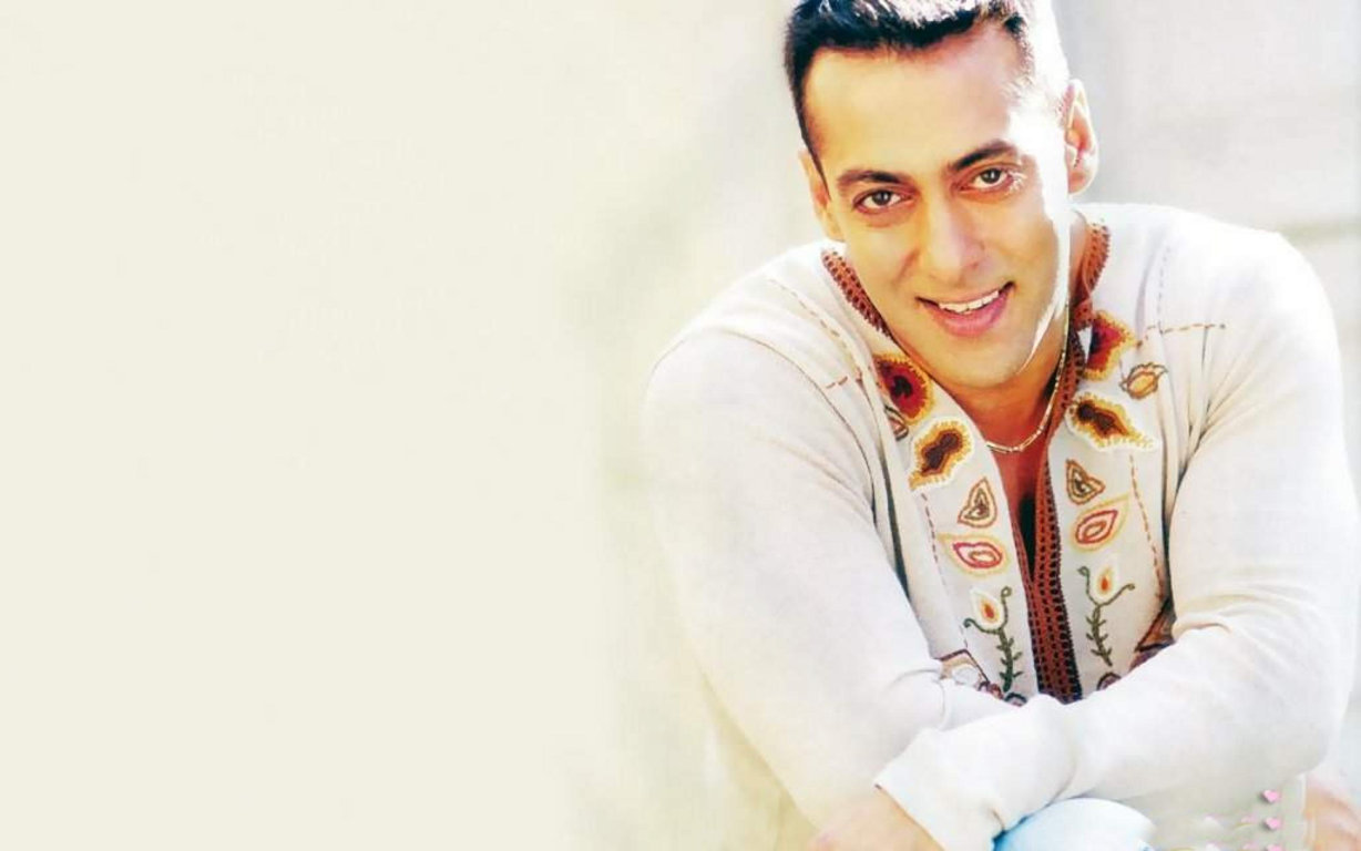 Salman Khan Bollywood Wallpaper 11