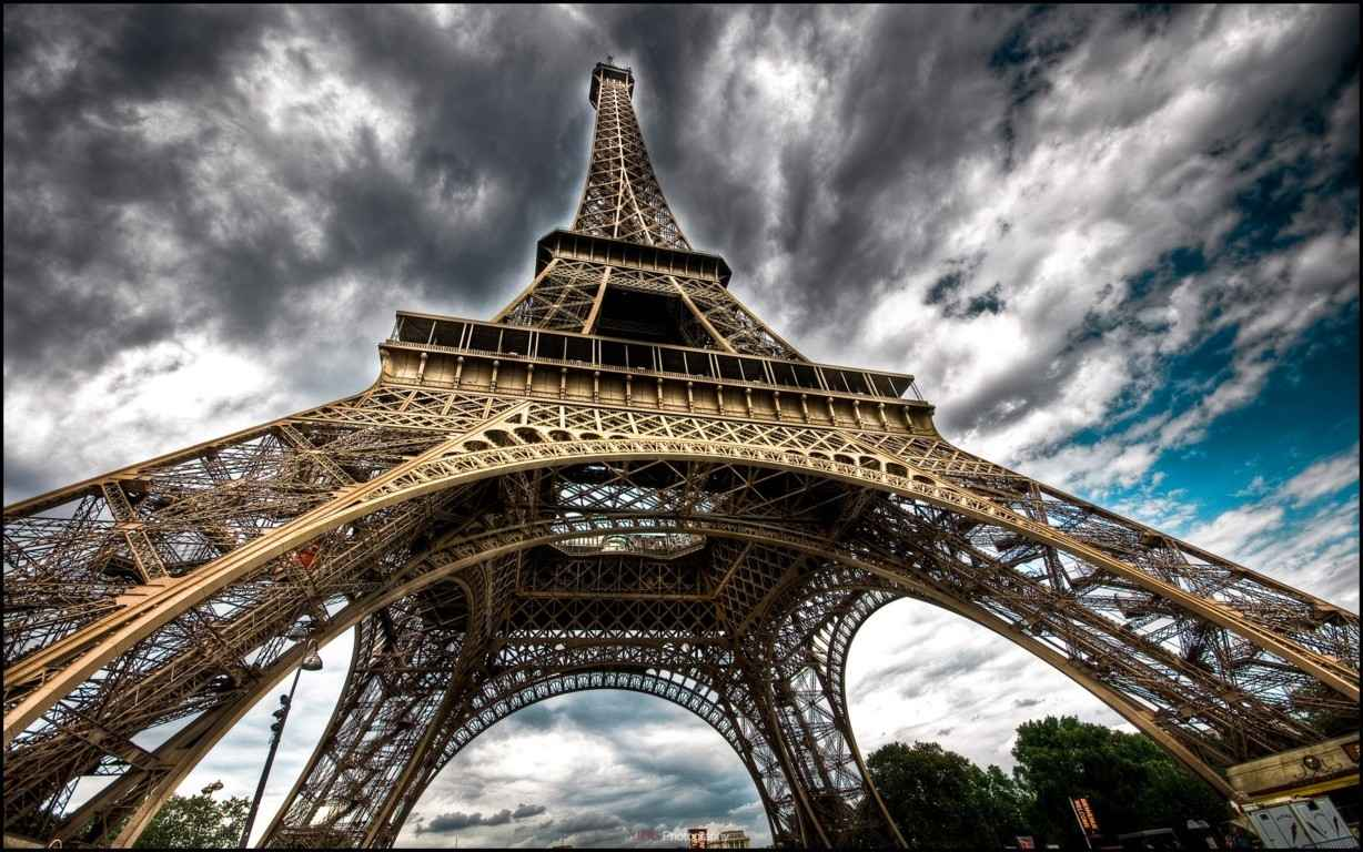 Eiffel Tower Paris Wallpaper 13