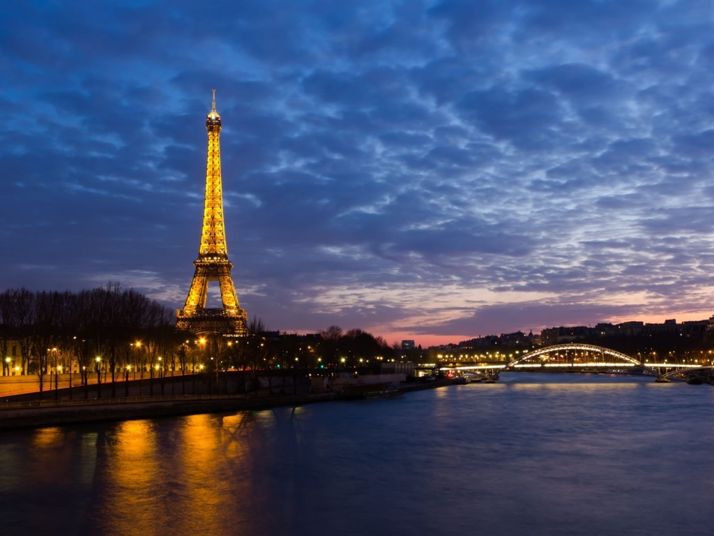 Eiffel Tower Paris Wallpaper 3