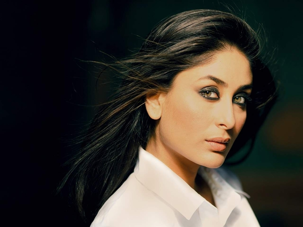 Kareena Kapoor Wallpaper 35