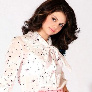 Selena Gomez Wallpaper 32