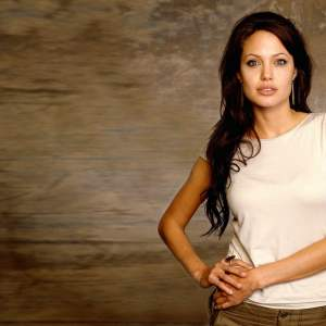 Angelina Jolie Wallpaper 24
