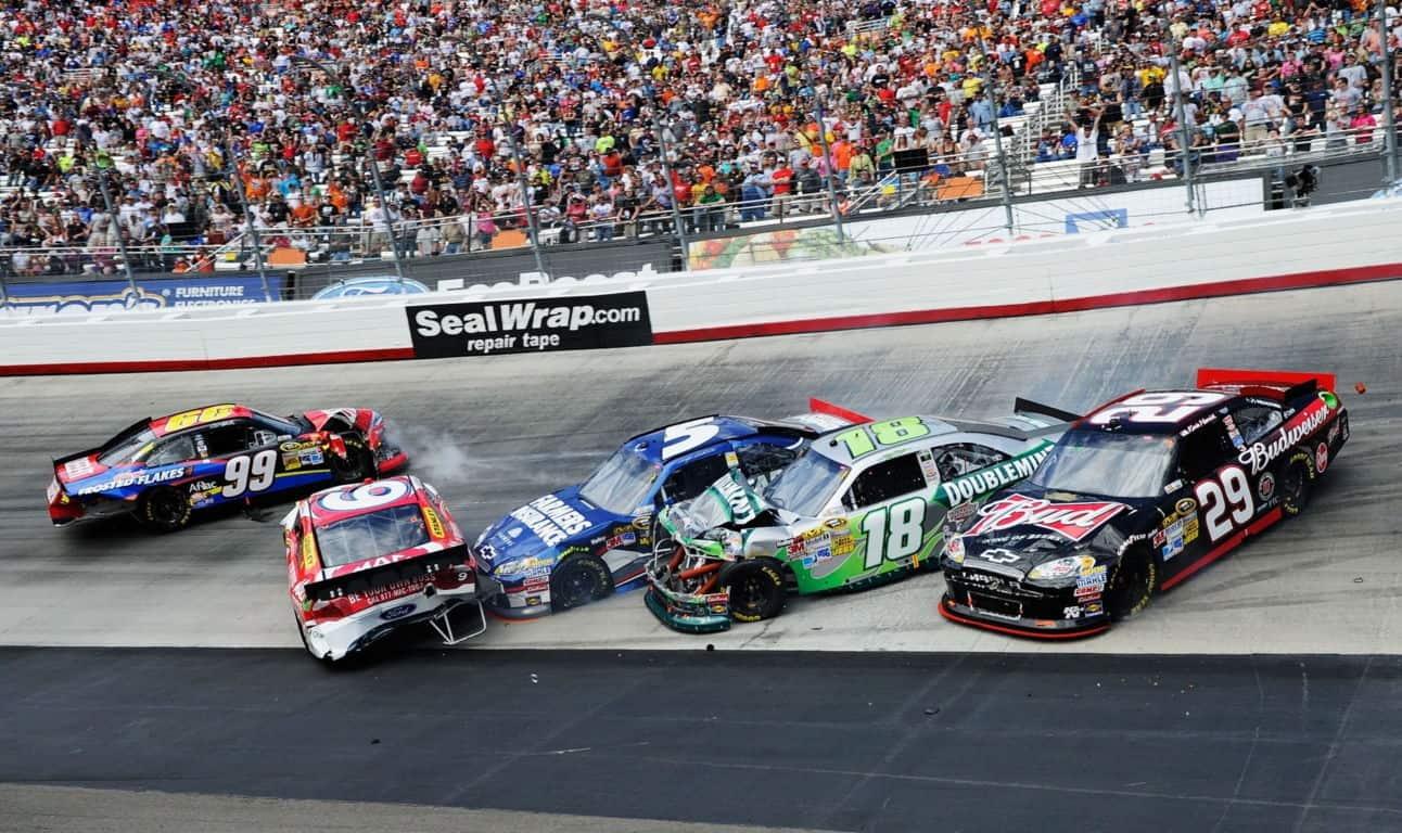 Racing Cars Wallpaper 090