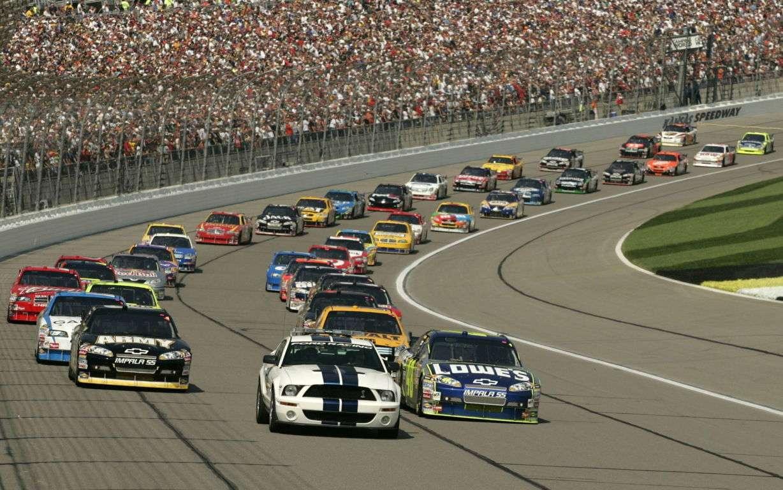 Racing Cars Wallpaper 091