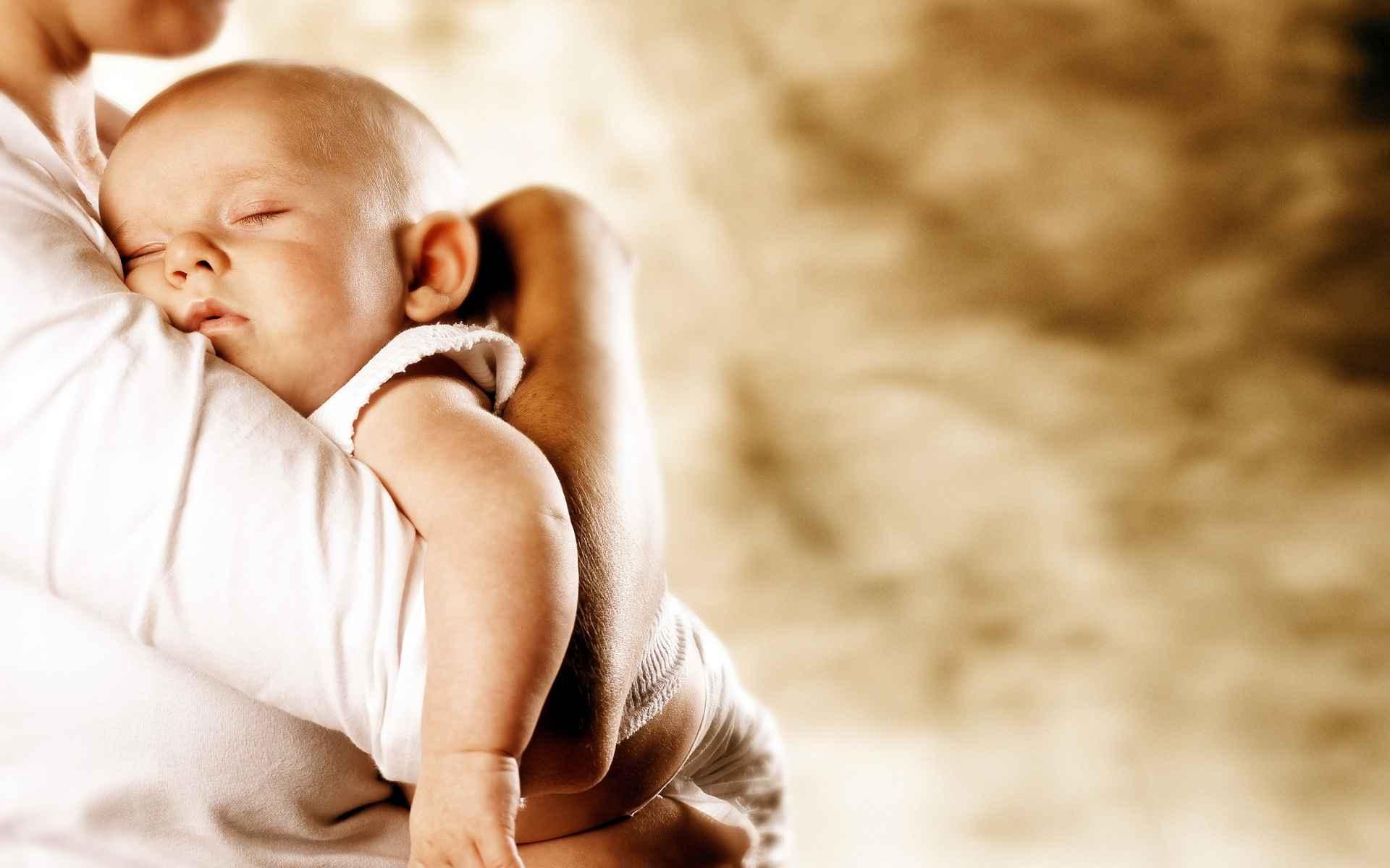 Baby Wallpaper 040