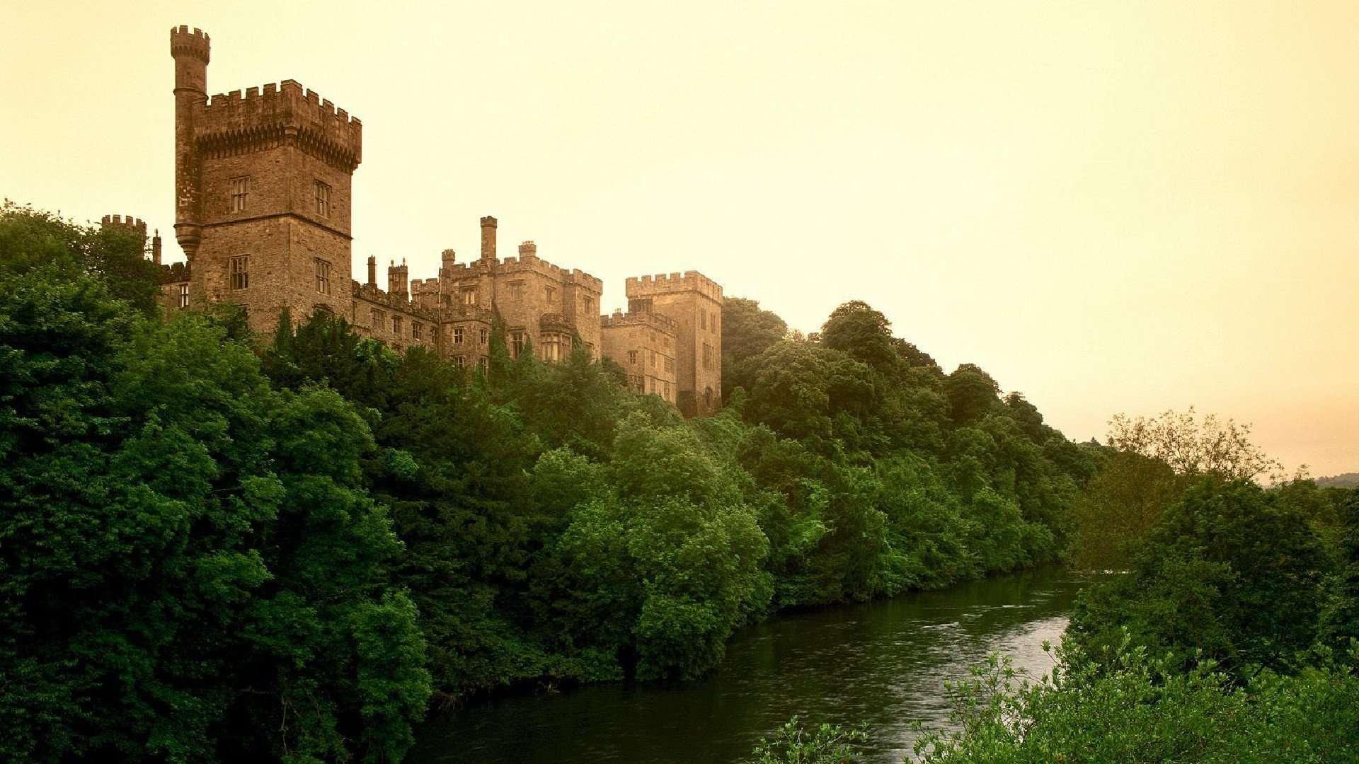 Castle Wallpaper 019