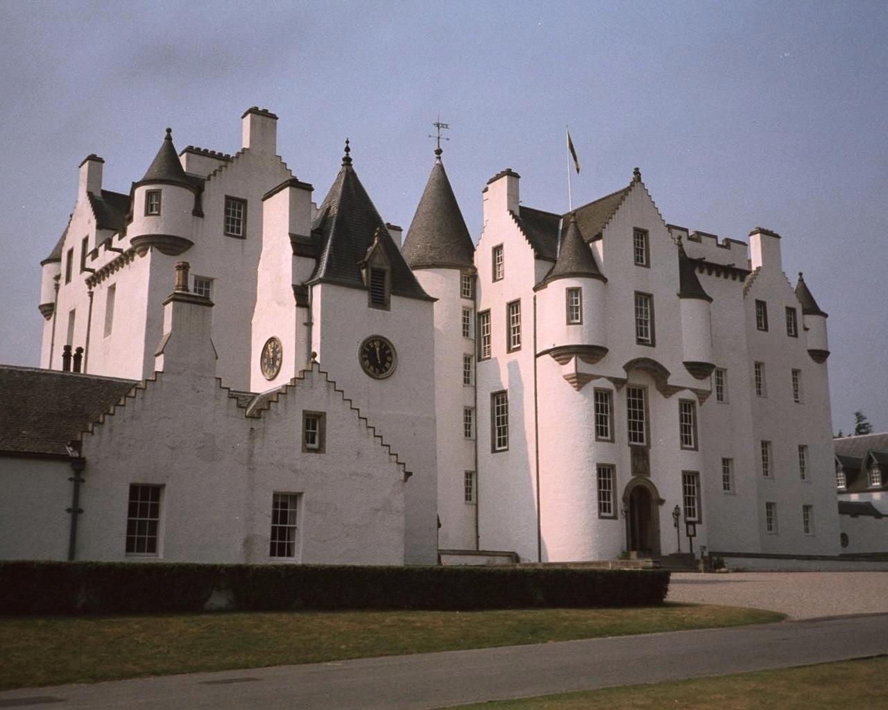Castle Wallpaper 037