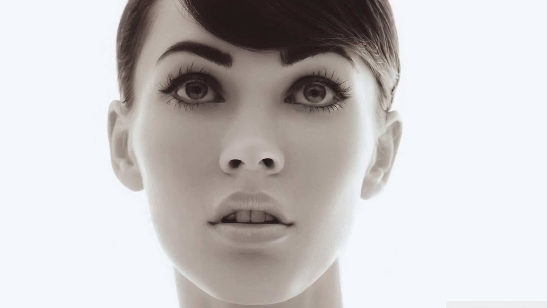 Megan Fox Wallpaper 007
