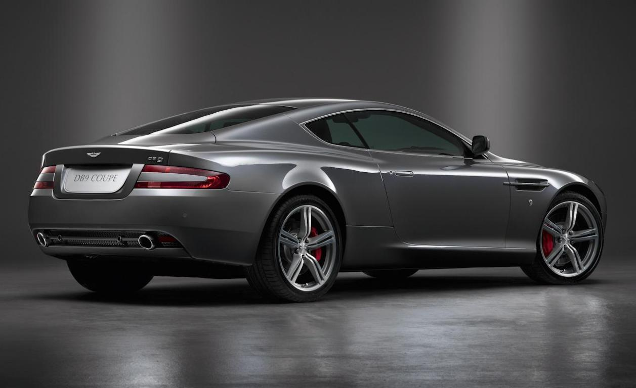 Aston Martin DB9 Wallpaper 15