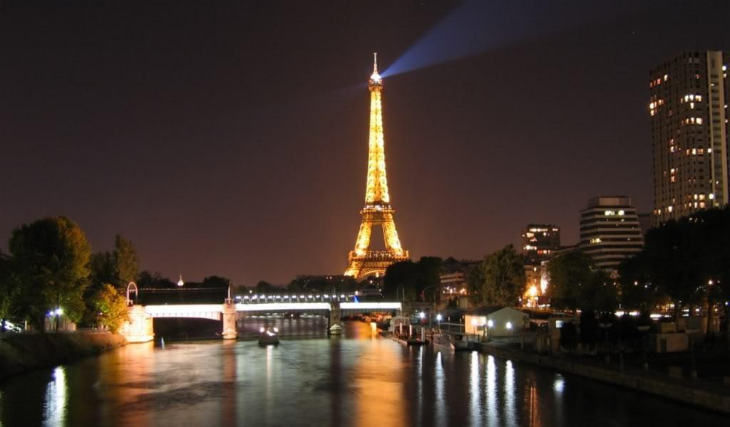 Eiffel Tower Paris Wallpaper 16
