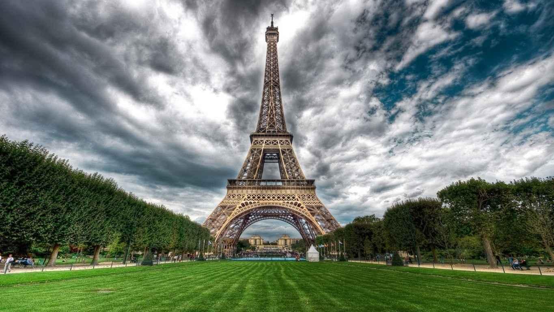 Eiffel Tower Paris Wallpaper 33