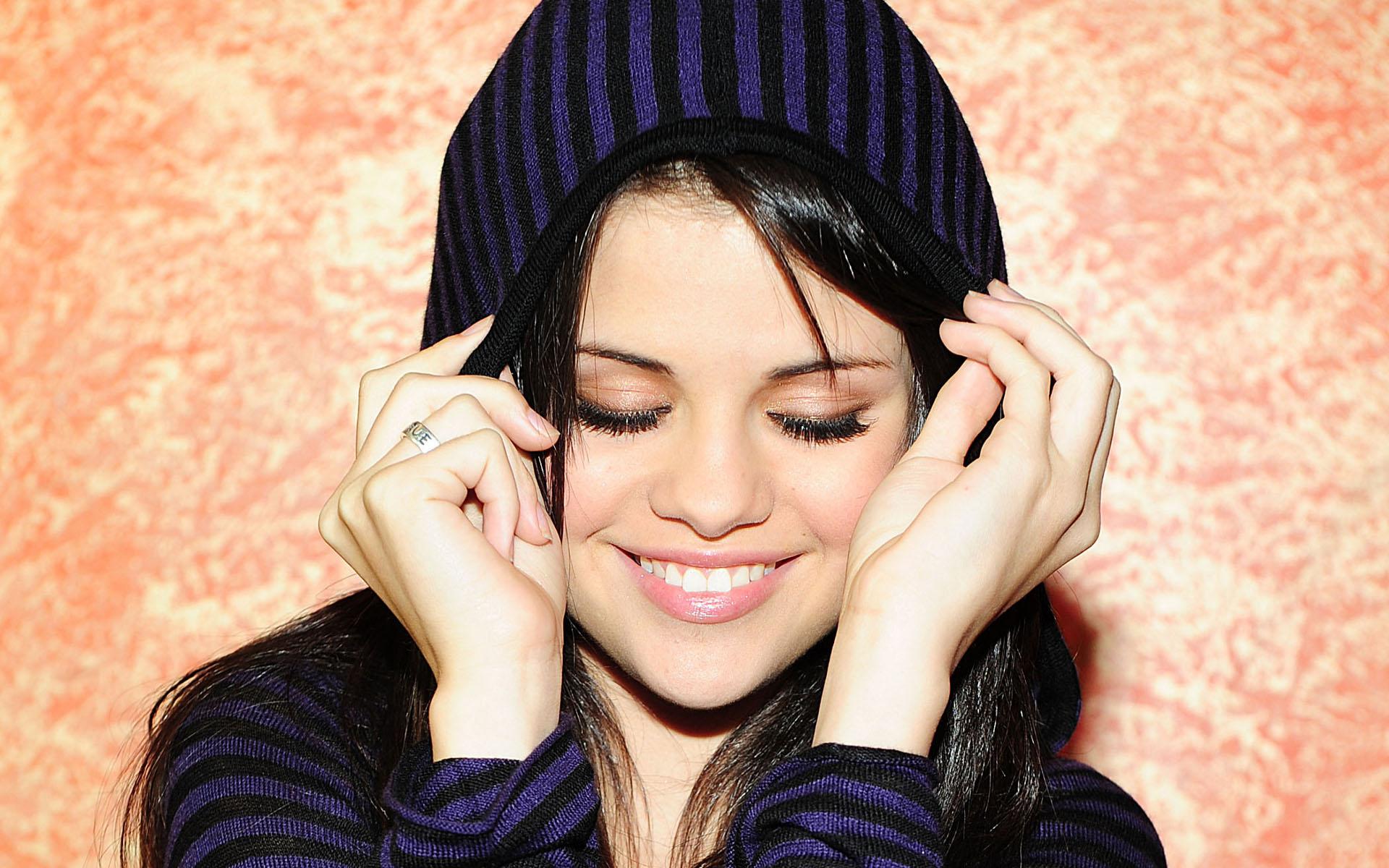 Selena Gomez Wallpaper 49