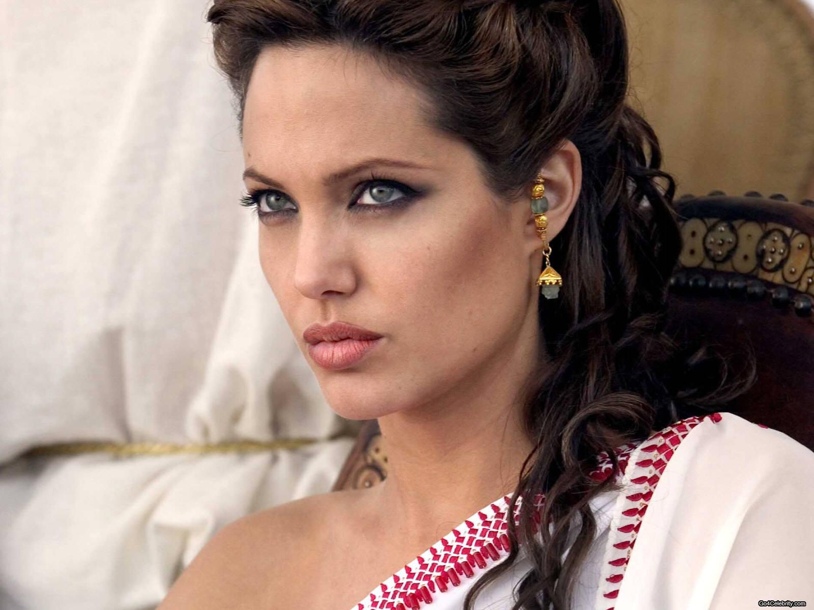 Angelina Jolie Wallpaper 17