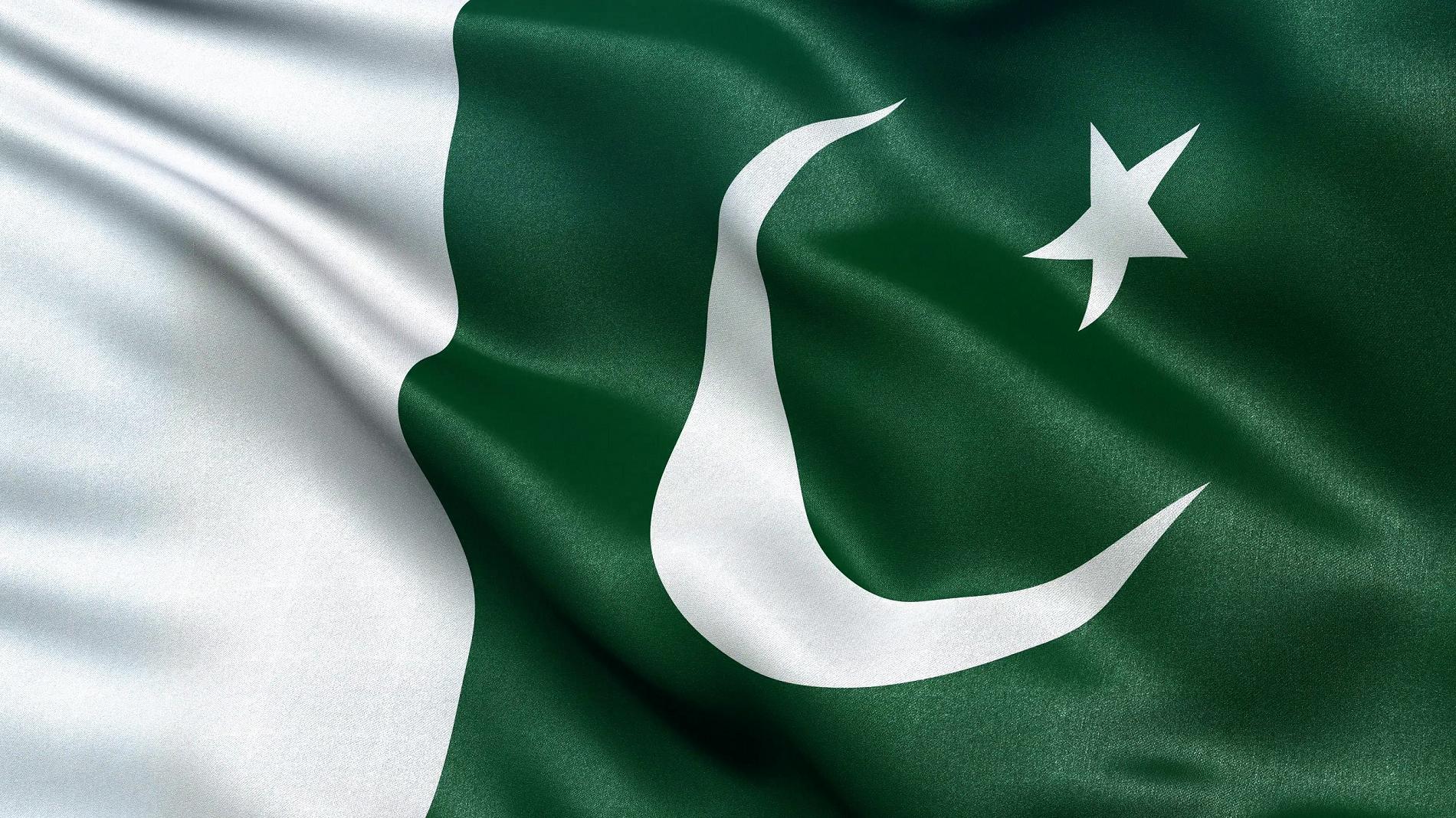 Pakistan Flag Wallpaper 10